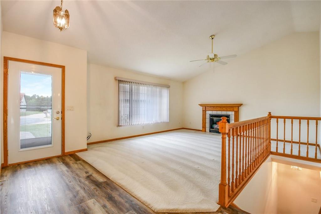 3329 E Meadows Place Property Photo 5