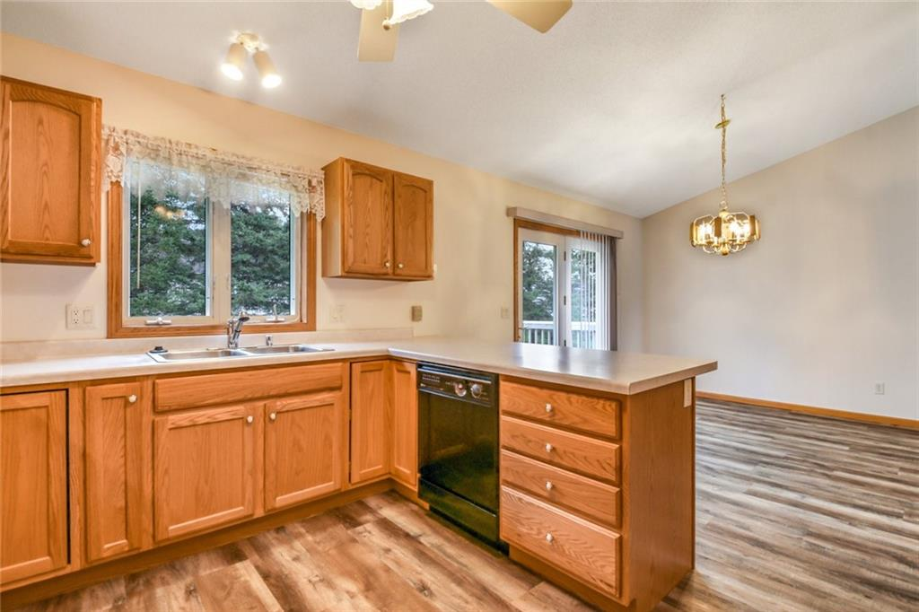 3329 E Meadows Place Property Photo 12