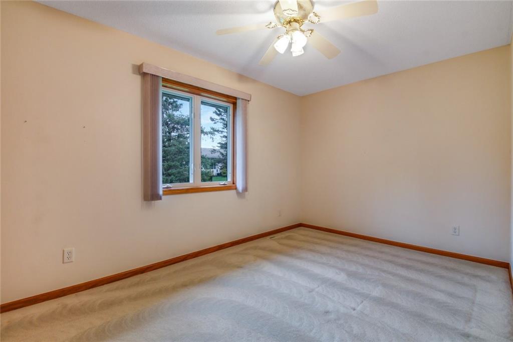 3329 E Meadows Place Property Photo 15