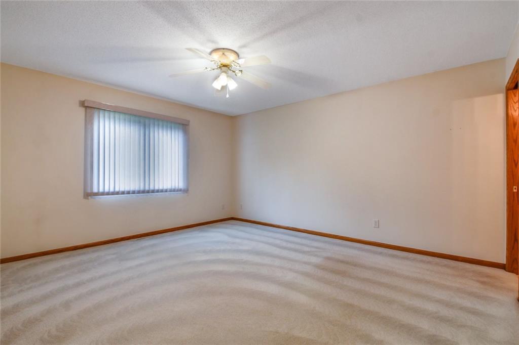 3329 E Meadows Place Property Photo 16