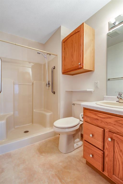 3329 E Meadows Place Property Photo 18