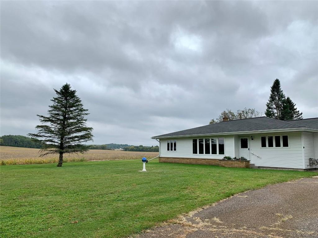 E5515 County Rd V Property Photo