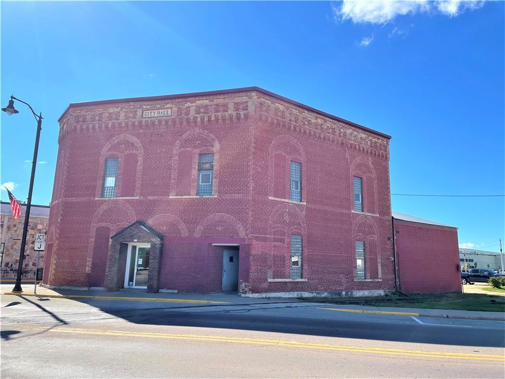 203 W Main Street Property Photo