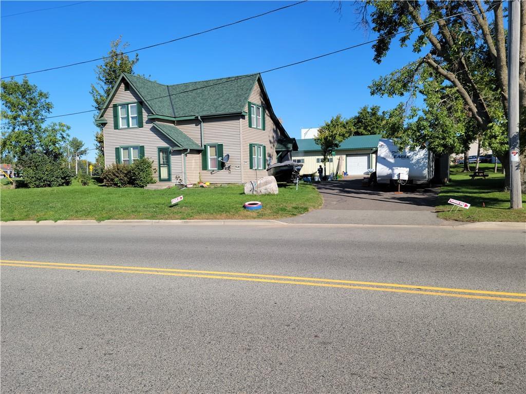 431 Martin Avenue W Property Photo