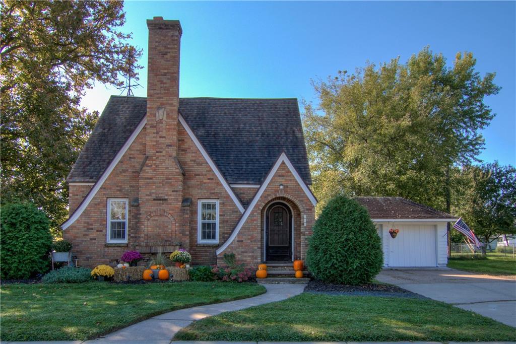 208 W Lincoln Avenue Property Photo