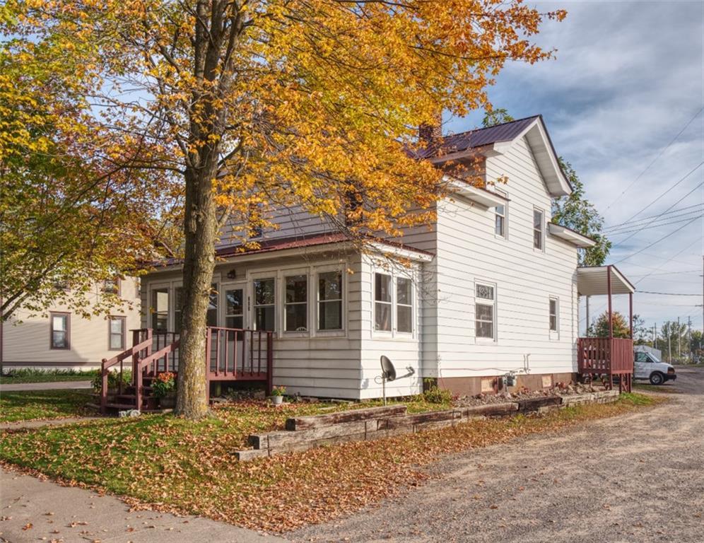908 15th Avenue Property Photo 1