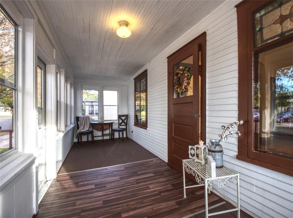 908 15th Avenue Property Photo 3
