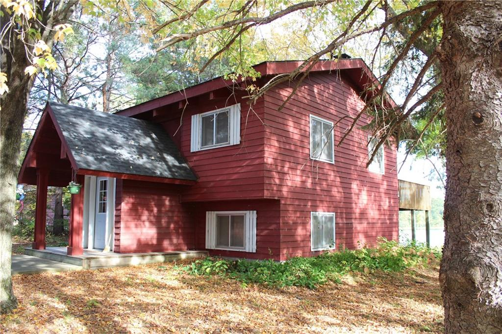 11463 N Shore Drive Property Photo