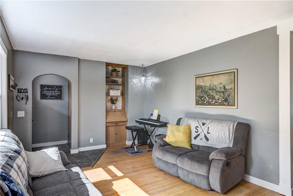 1130 Warren Street Property Photo 6