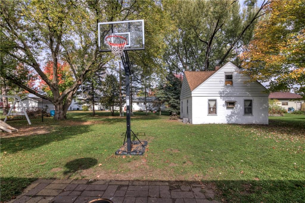 1130 Warren Street Property Photo 26