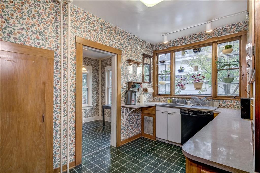 510 W Columbia Street Property Photo 6