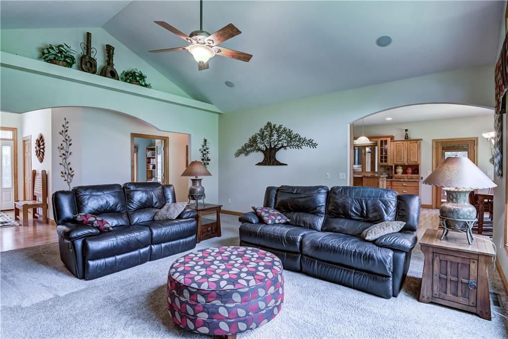 8990 S Stonebrook Drive Property Photo 4