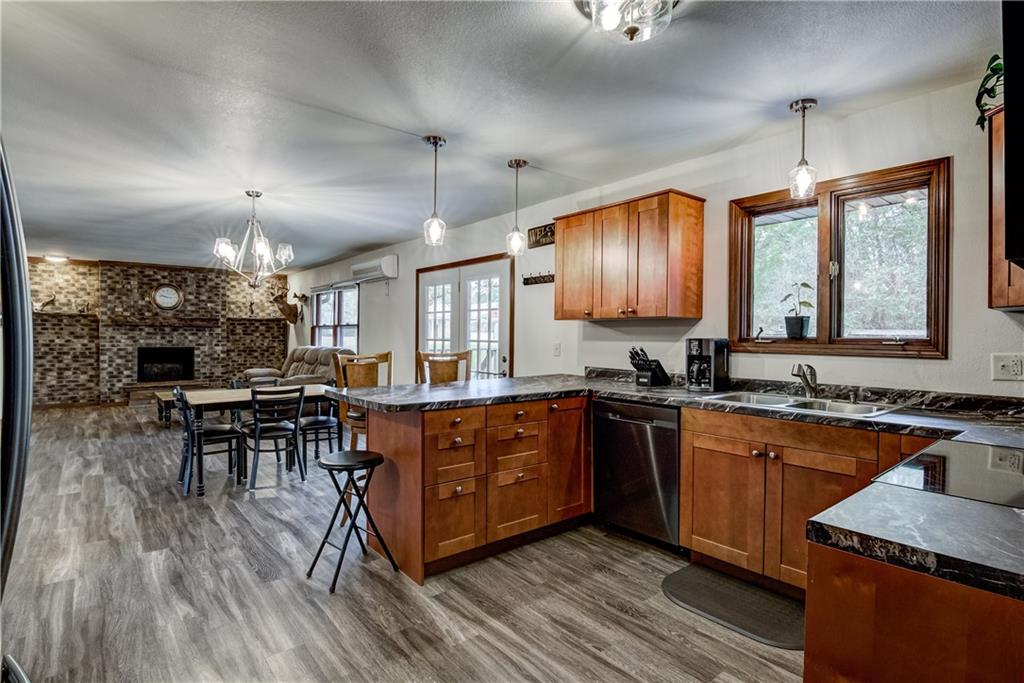 1239 N 3rd Street Property Photo 2