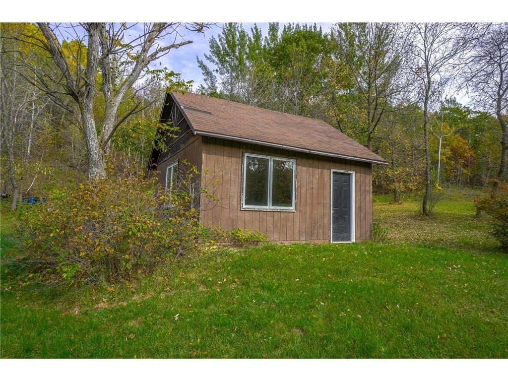 E2717 1130th Avenue Property Photo 6
