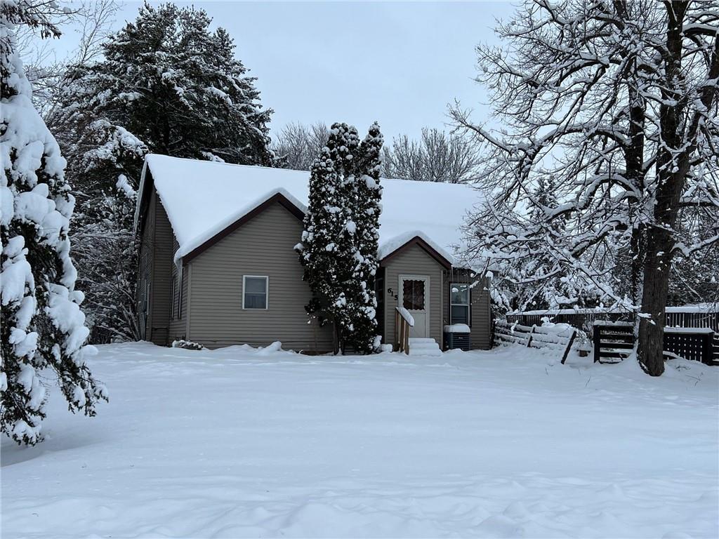 615 E Sawyer Street Property Photo