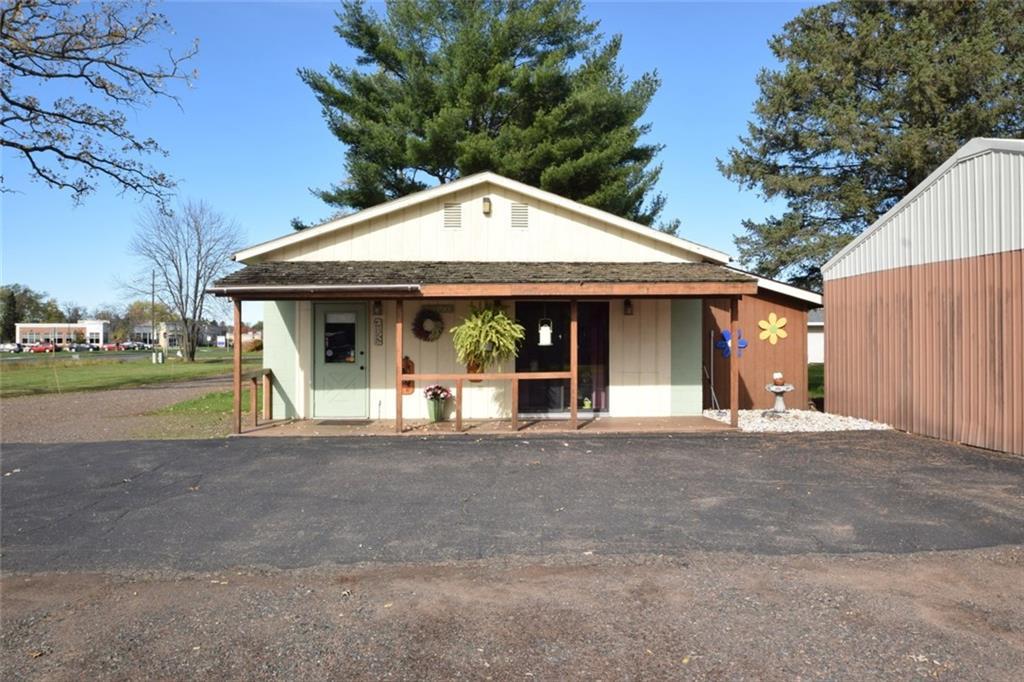 26390 Lakeland Avenue S Property Photo