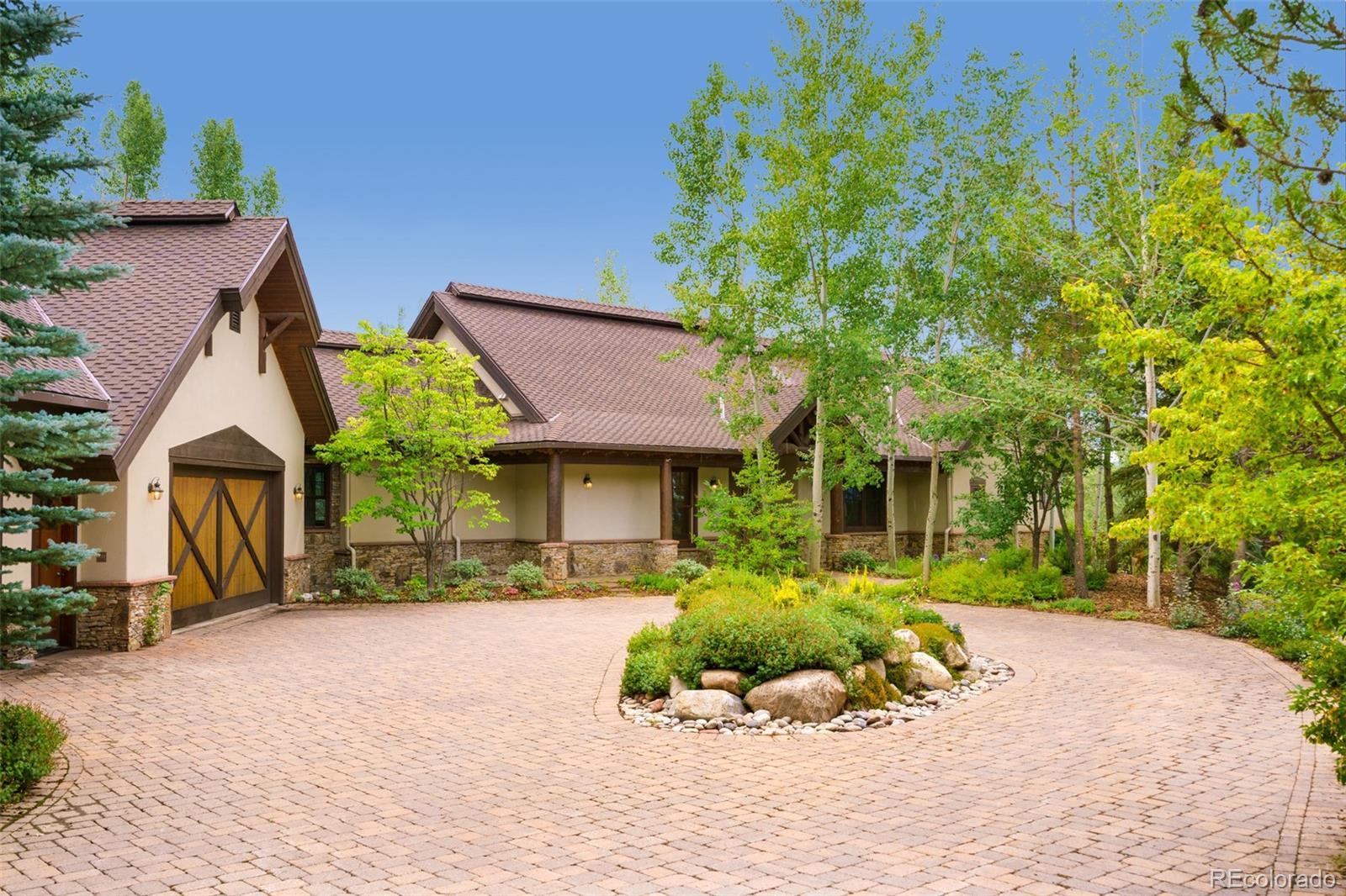 639 Meadowbrook Circle Property Photo 1