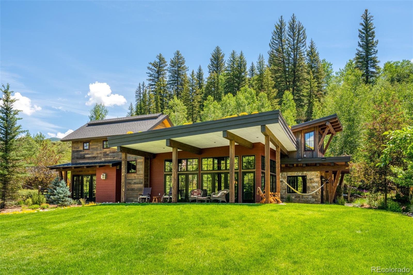 15 E Spruce Street Property Photo 1