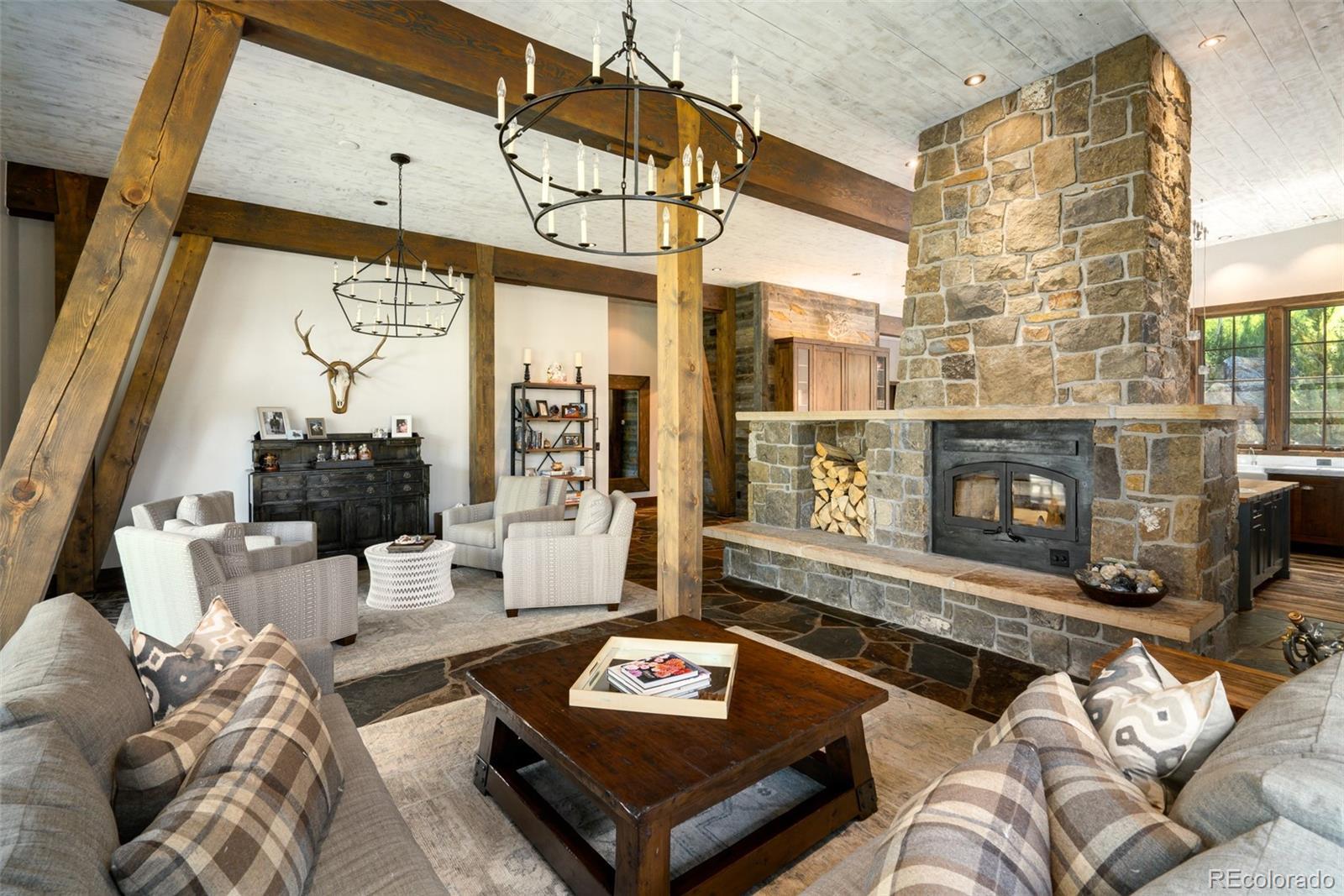 15 E Spruce Street Property Photo 2