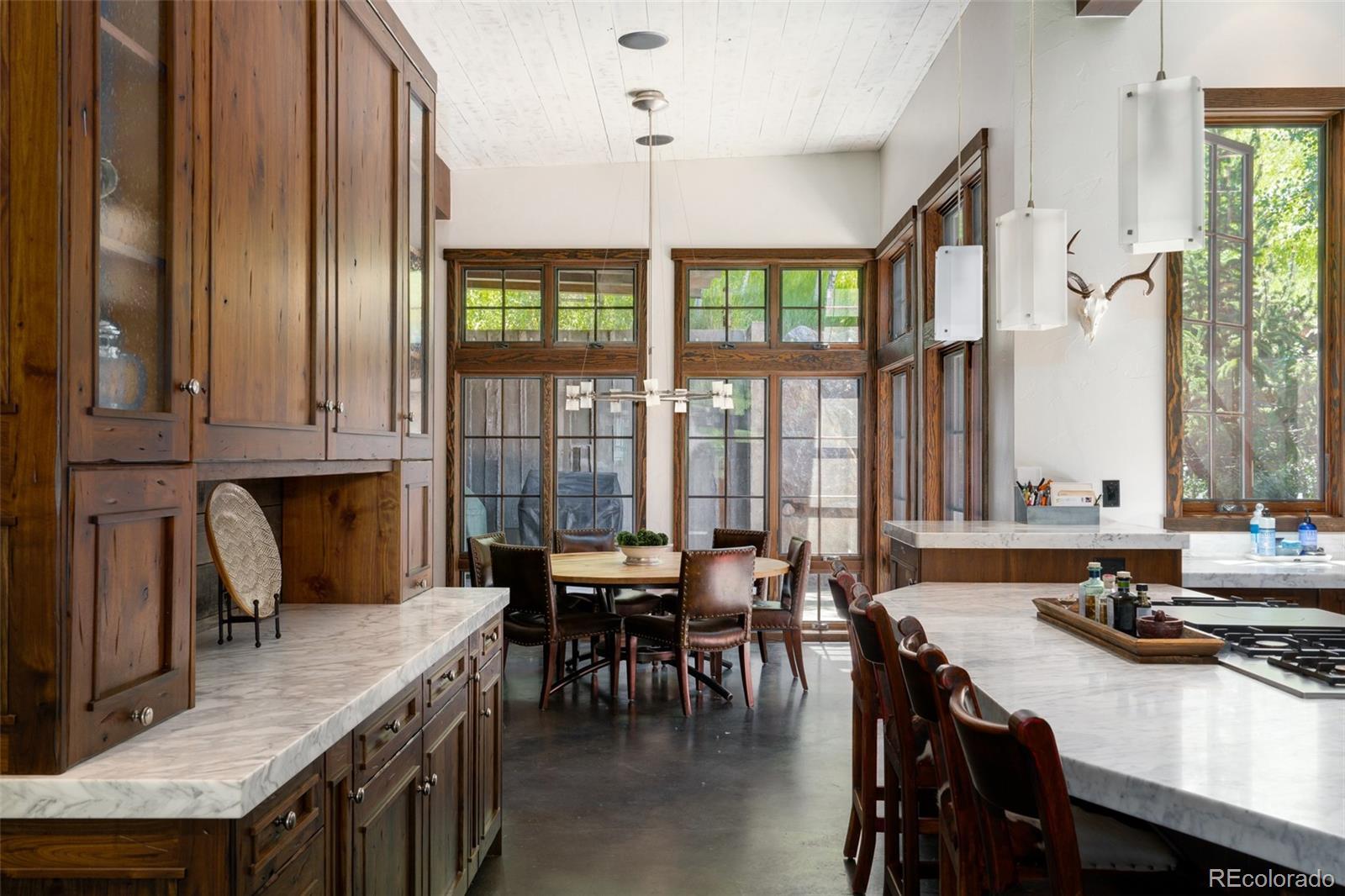 15 E Spruce Street Property Photo 10