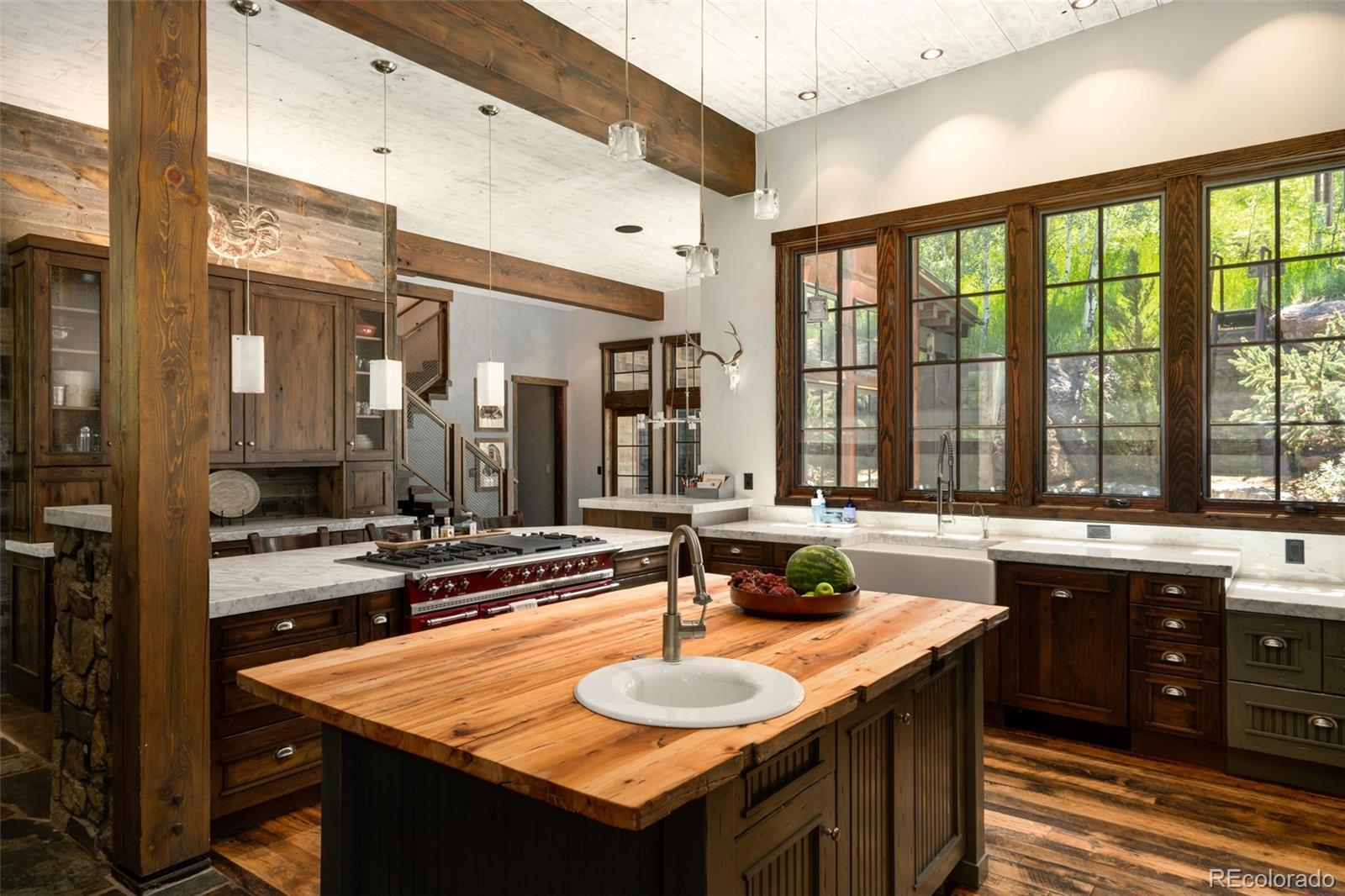 15 E Spruce Street Property Photo 11