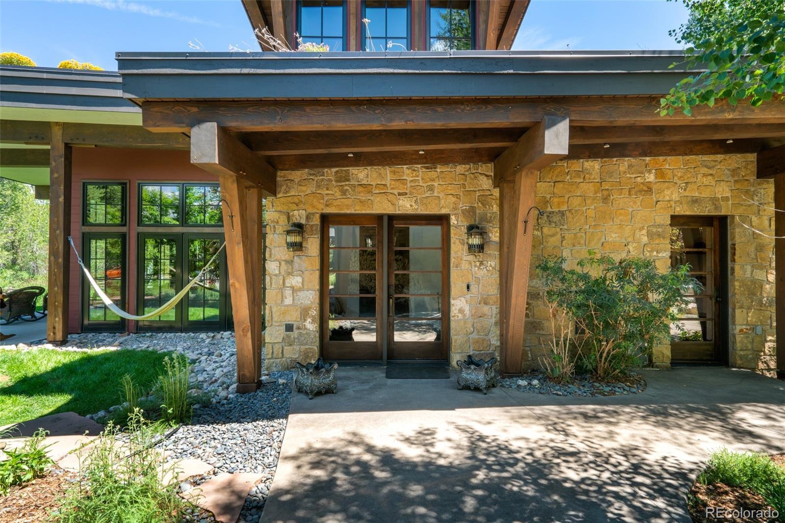 15 E Spruce Street Property Photo 20