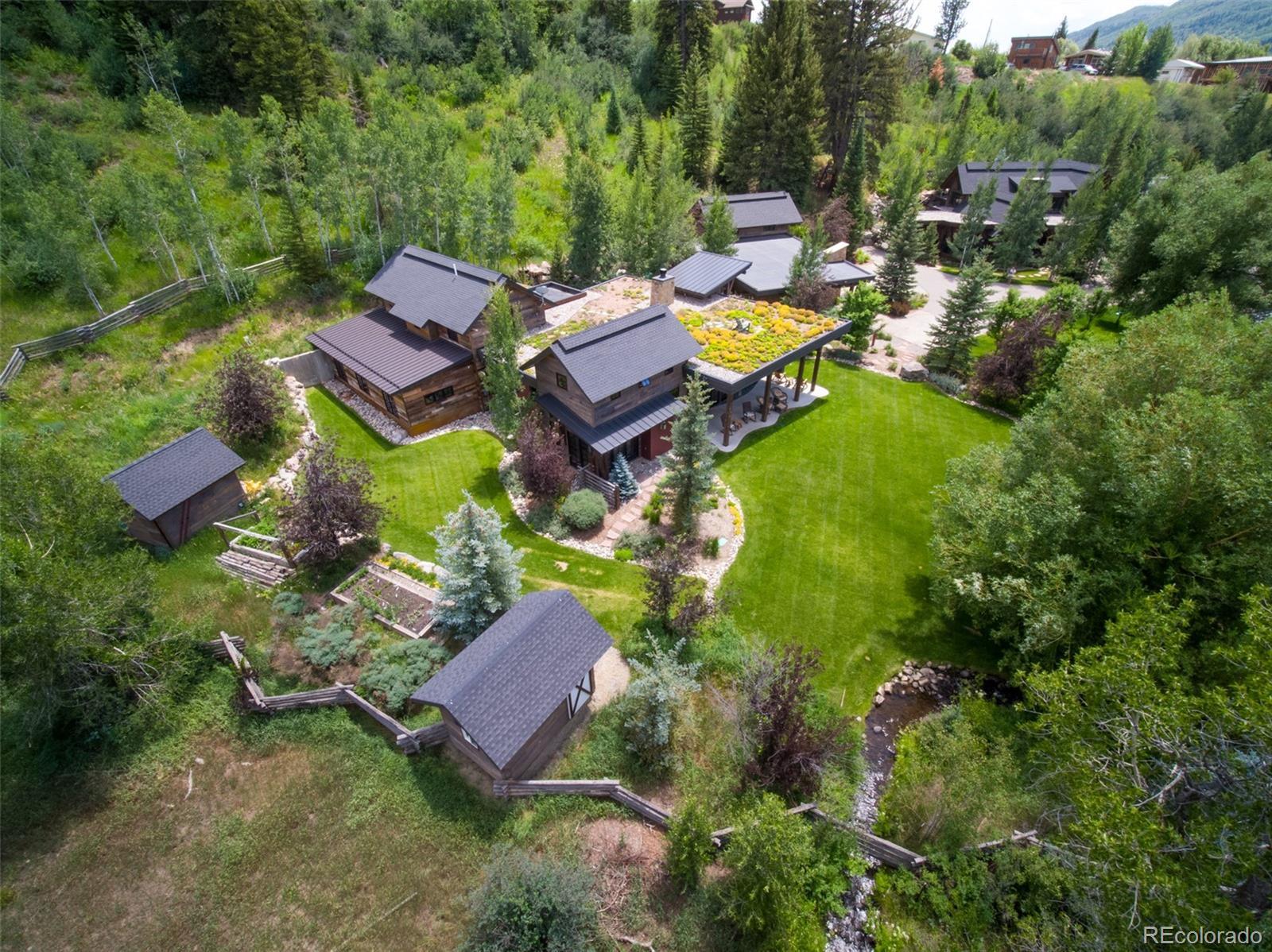 15 E Spruce Street Property Photo 24