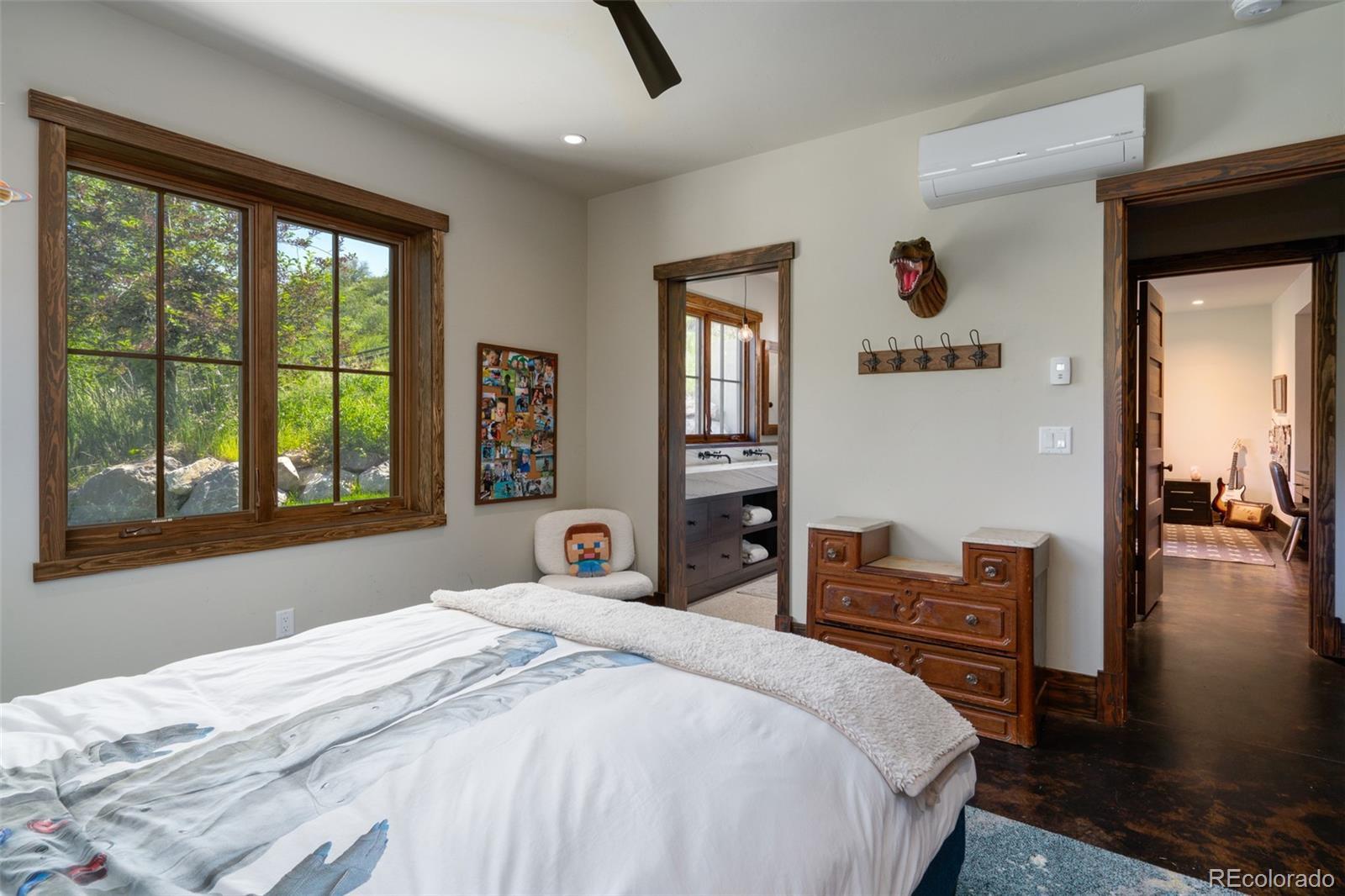 15 E Spruce Street Property Photo 32