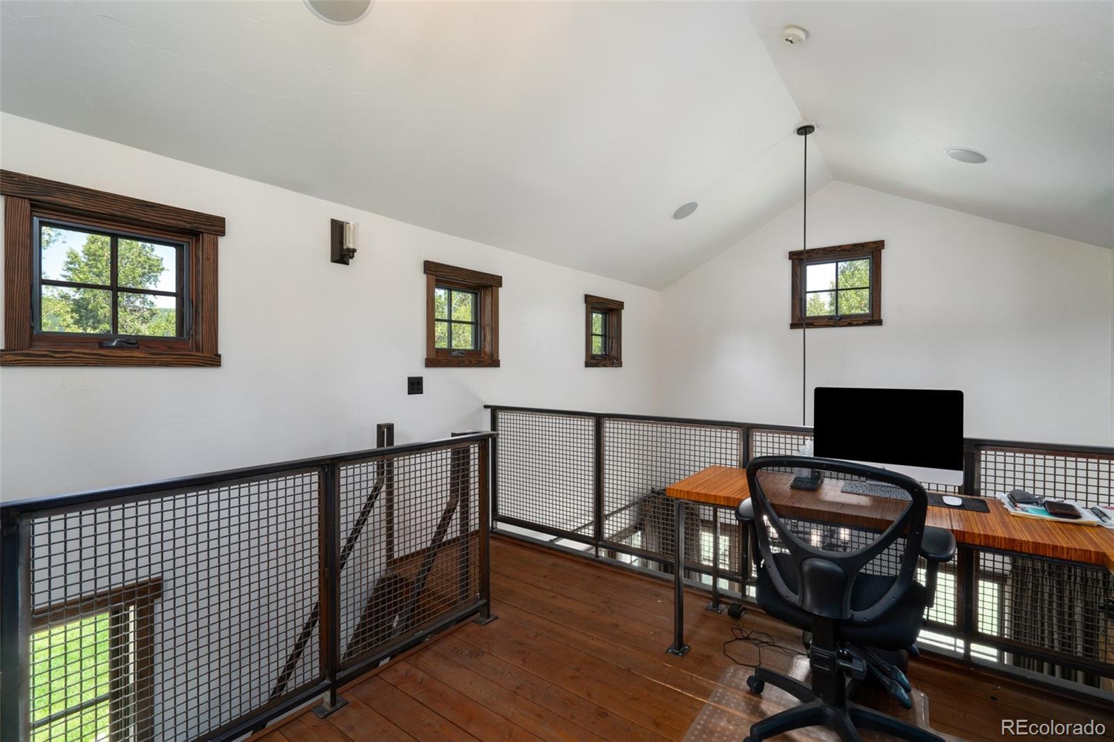 15 E Spruce Street Property Photo 34