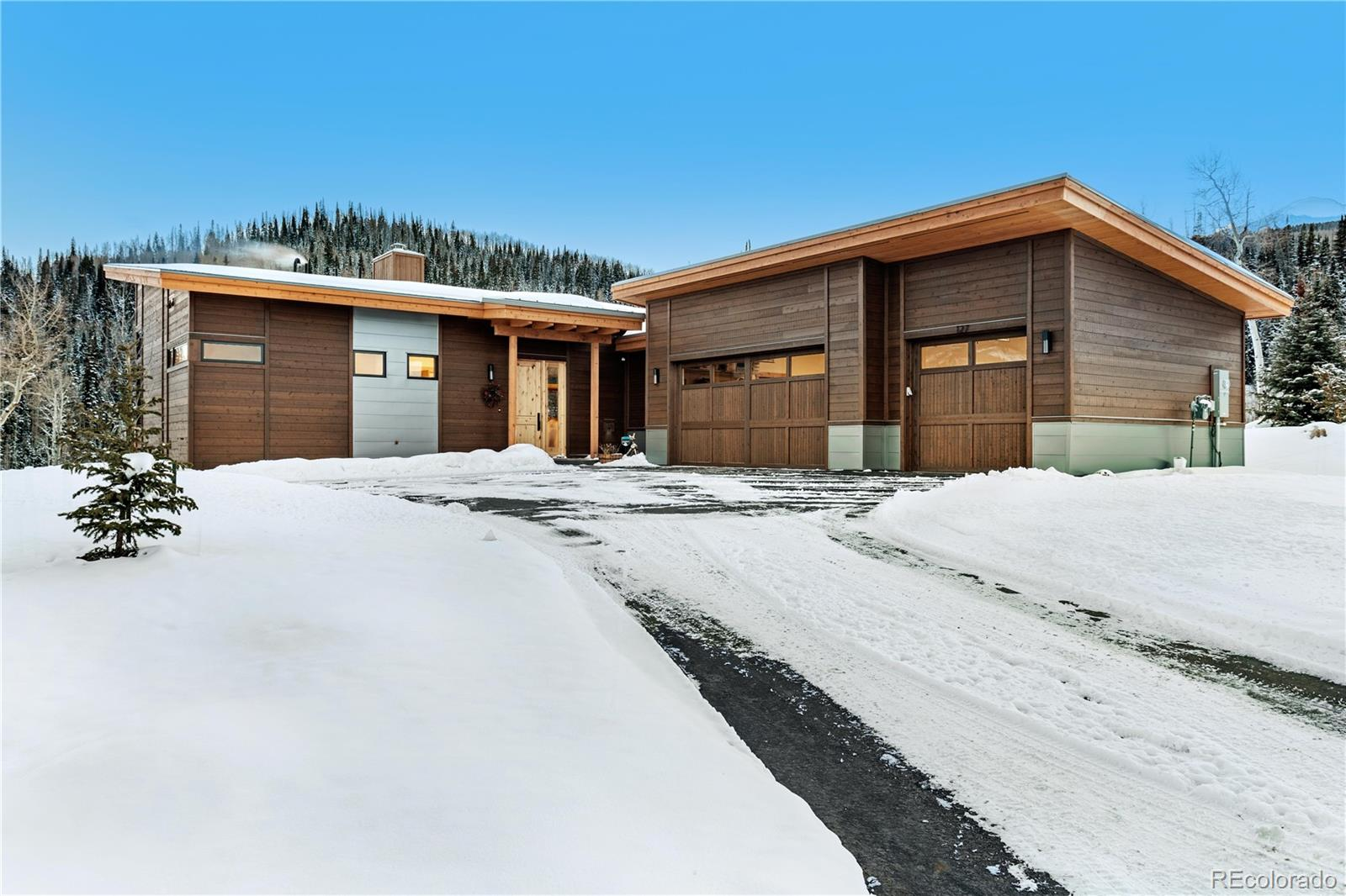 135 McKay Road Property Photo 1