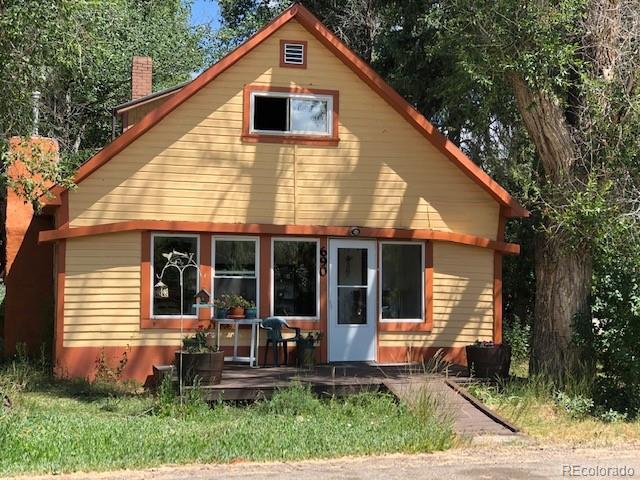 690 E Washington Avenue Property Photo 1