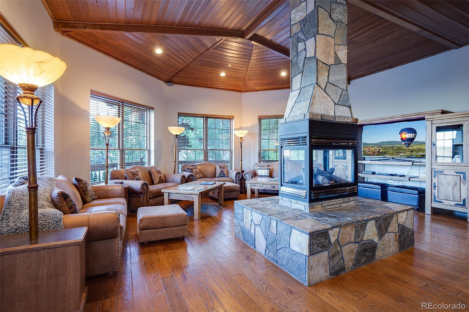 2510 Ski Trail Lane B Property Photo 2