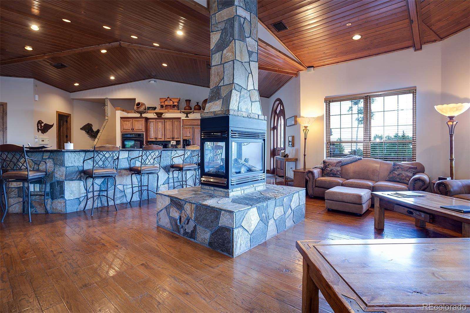 2510 Ski Trail Lane B Property Photo 3