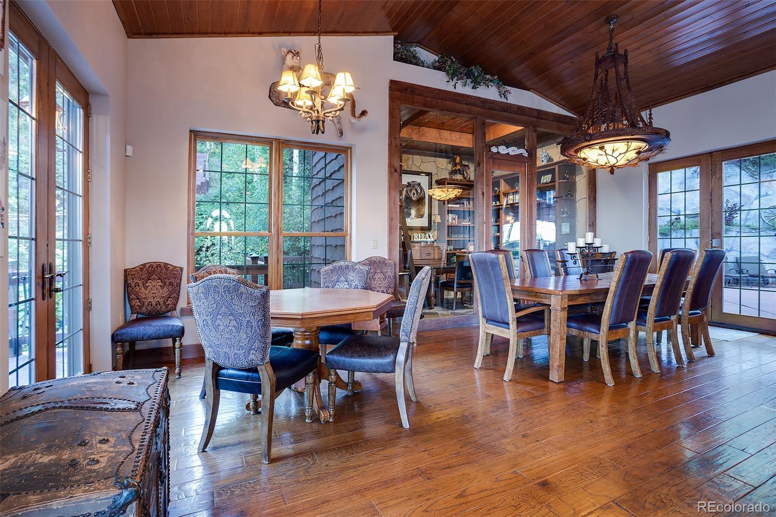 2510 Ski Trail Lane B Property Photo 6
