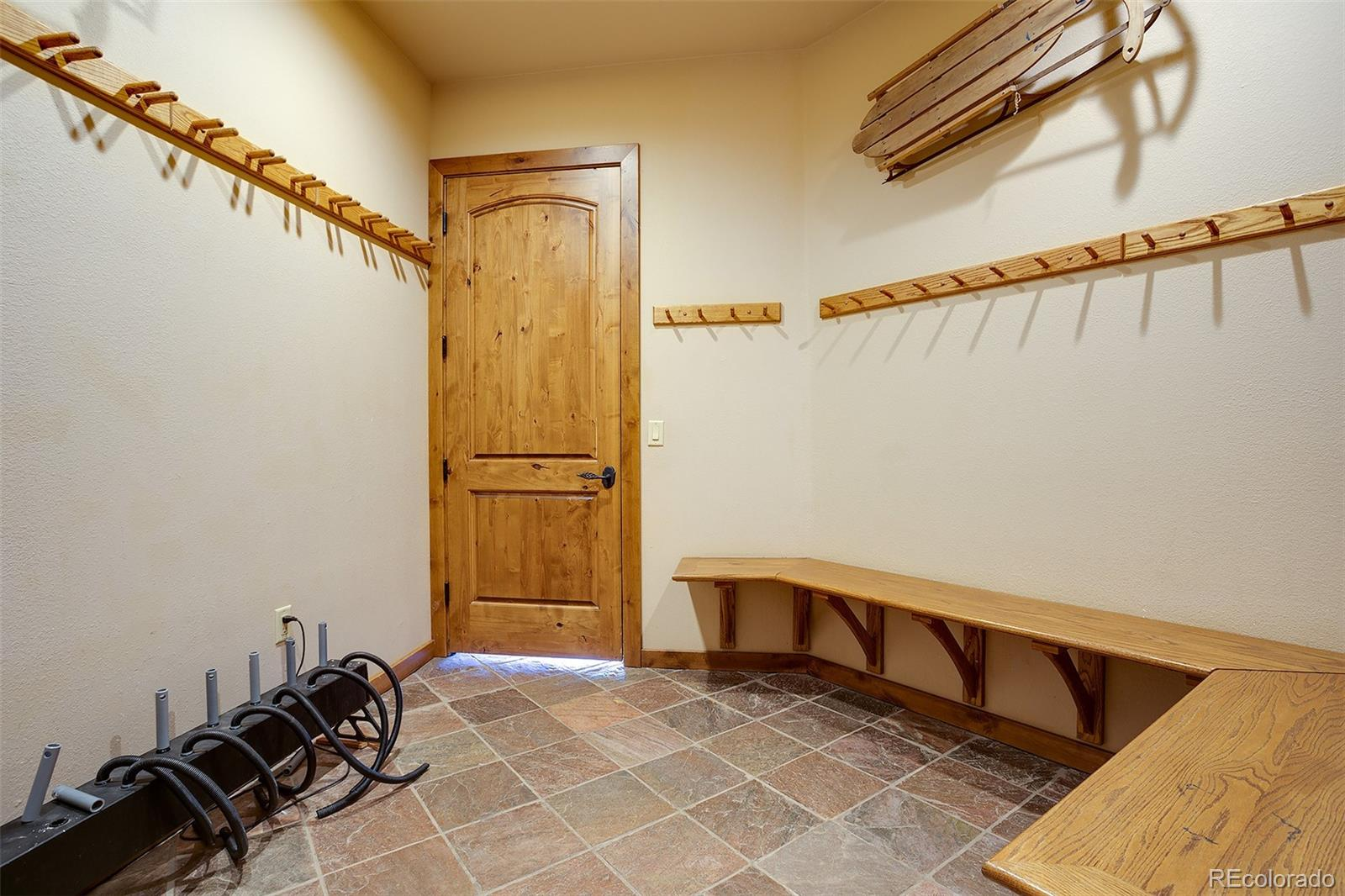 2510 Ski Trail Lane B Property Photo 29