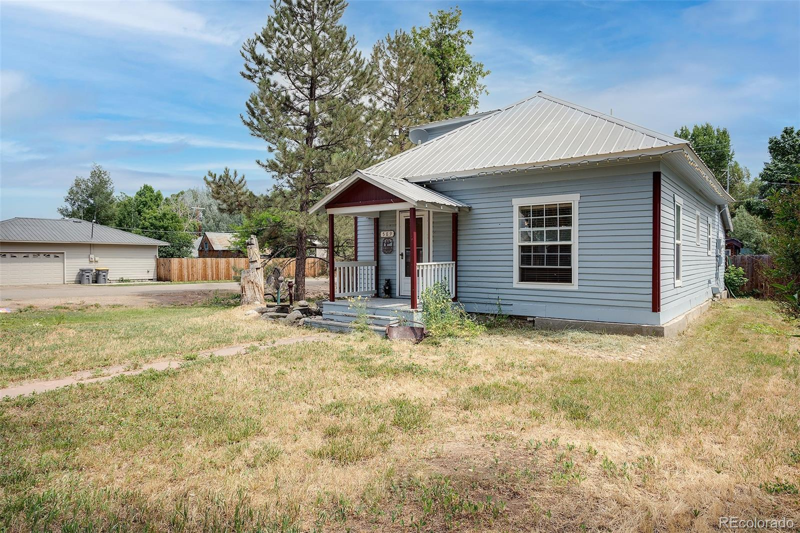 589 E Jefferson Avenue Property Photo 1