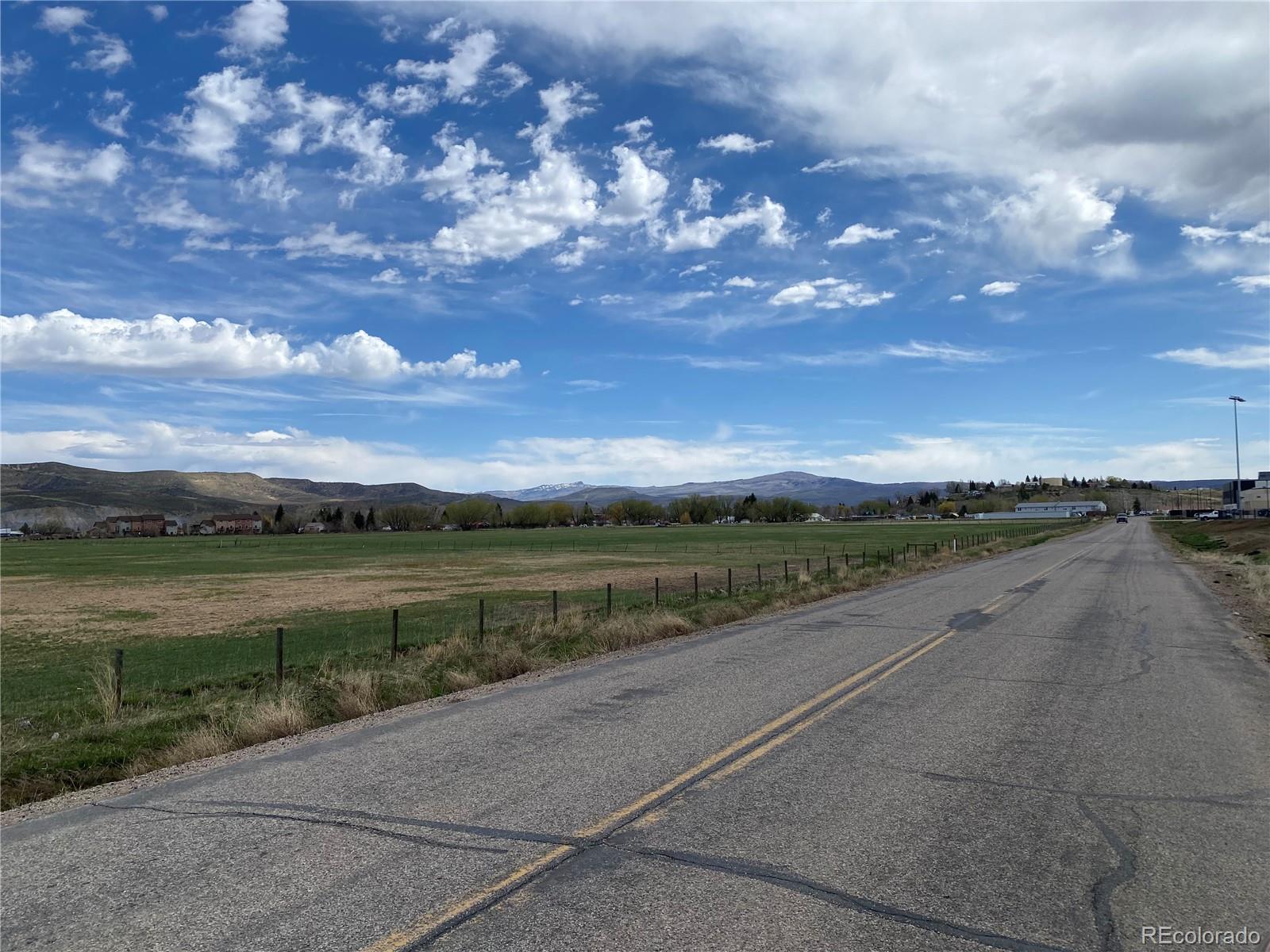 310 Breeze Basin Boulevard Property Photo 21