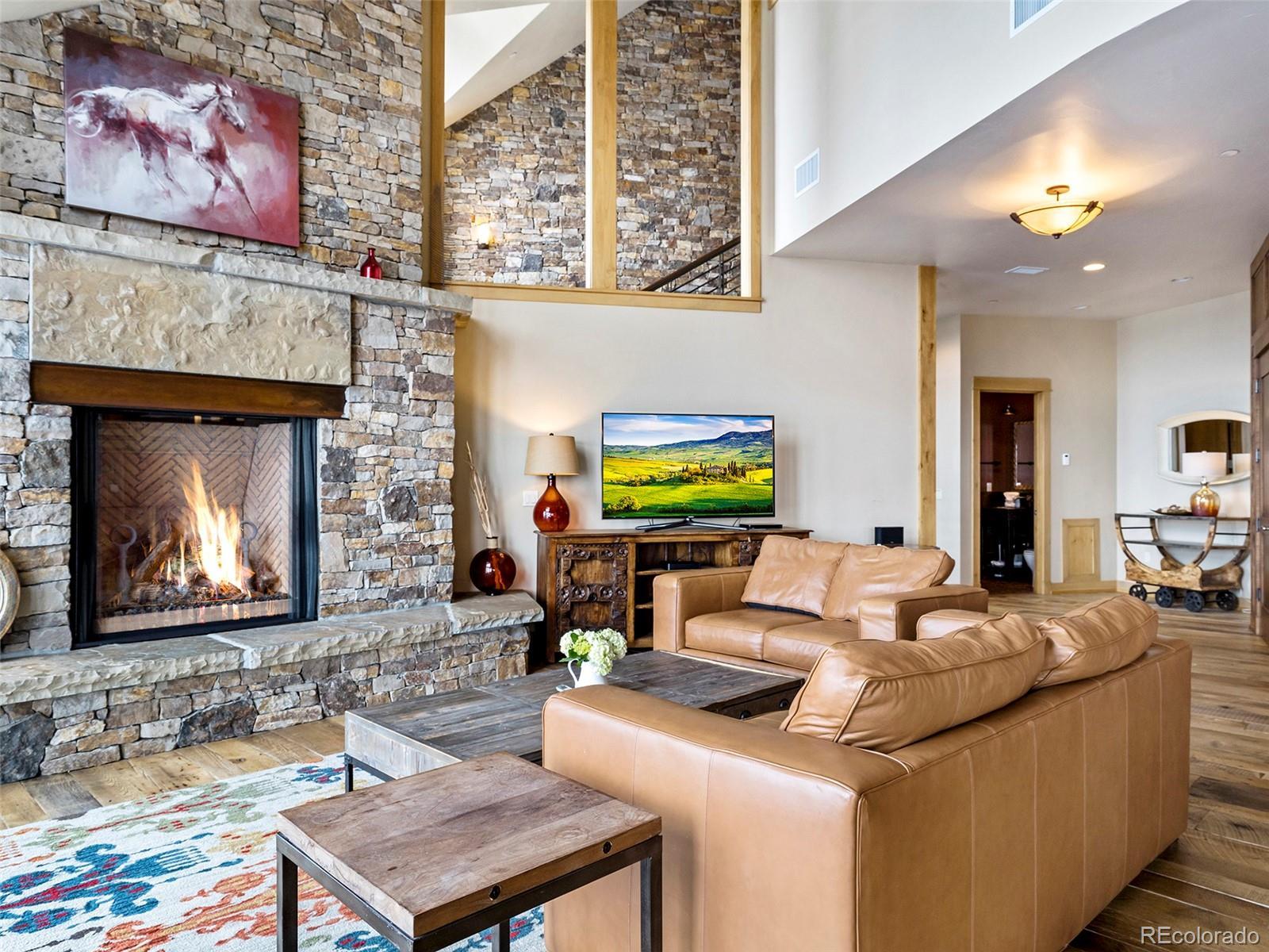 2607 Ski Trail Lane Property Photo 4