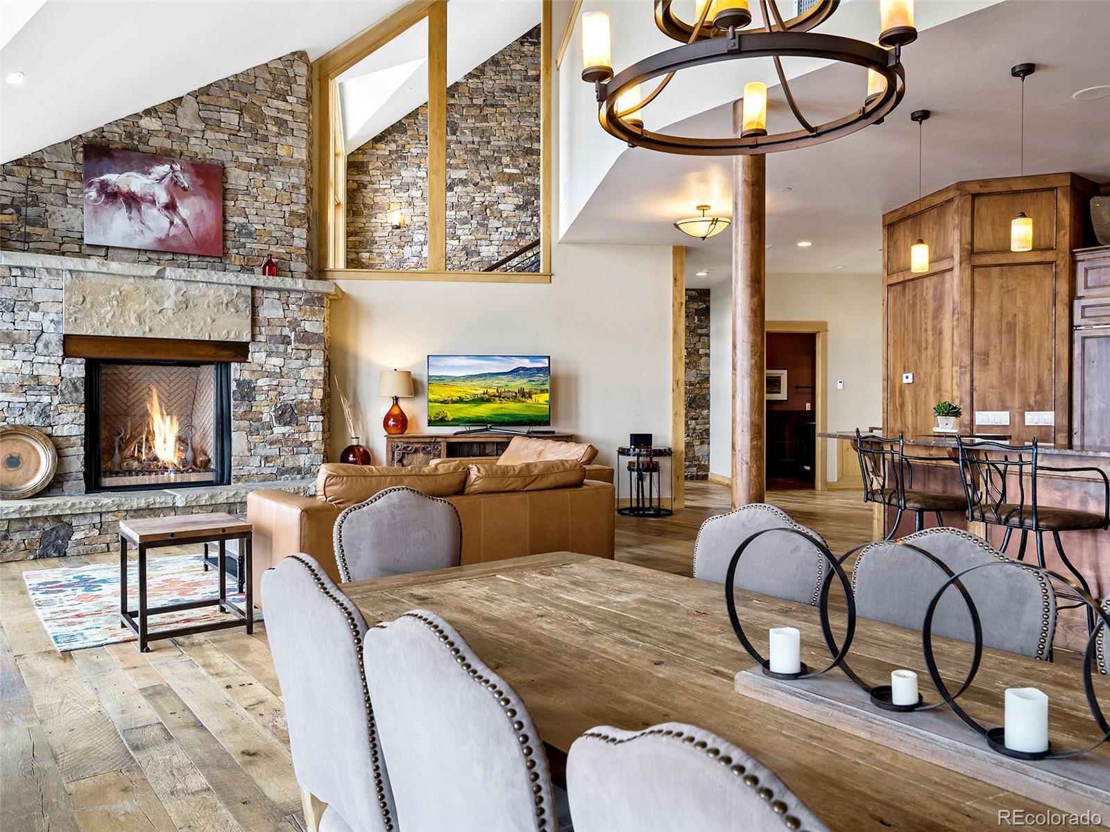 2607 Ski Trail Lane Property Photo 6