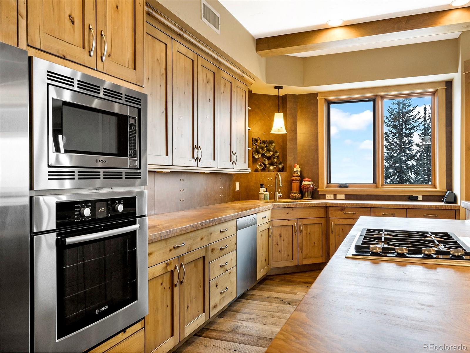 2607 Ski Trail Lane Property Photo 22
