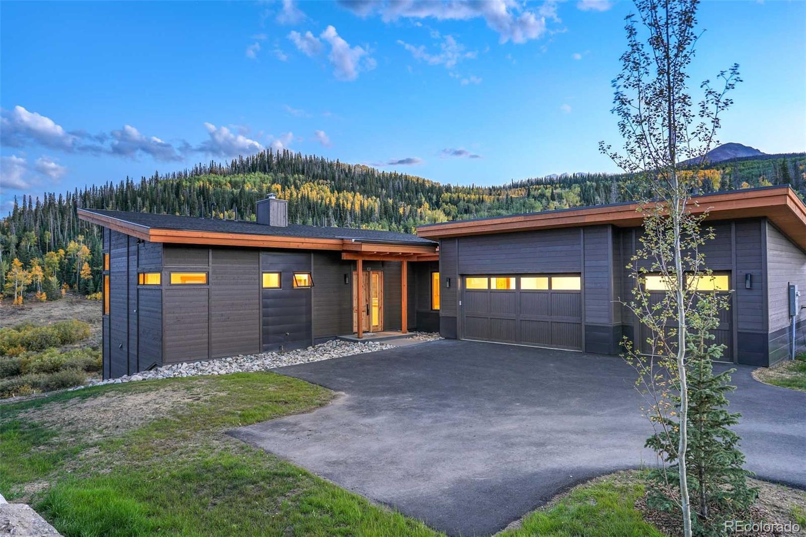 42 Glazer Trail Property Photo 1