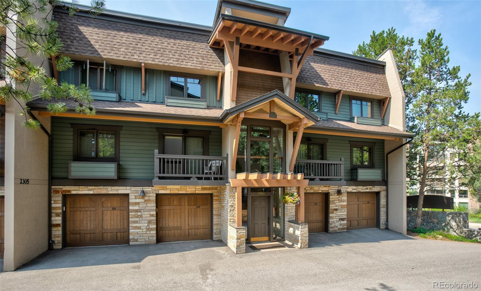 2305 Apres Ski Way 221 Property Photo 1