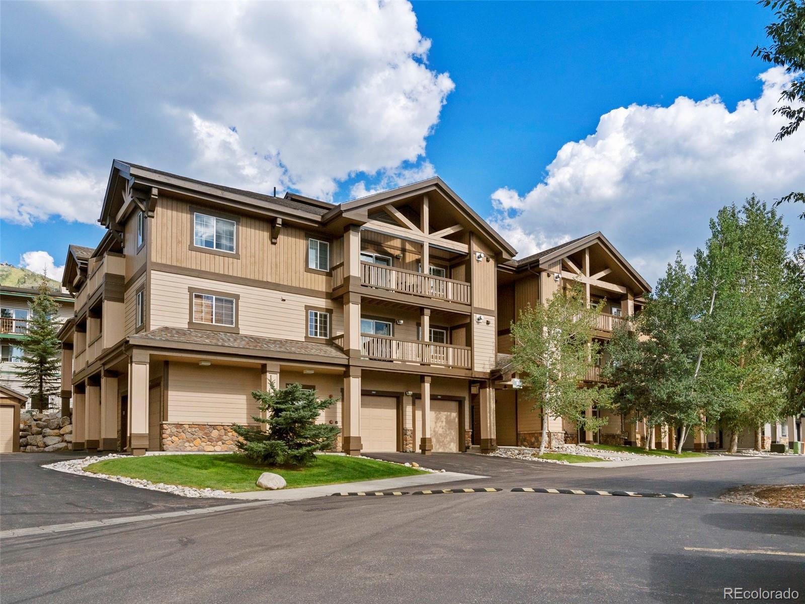 3335 Columbine Drive 902 Property Photo 1