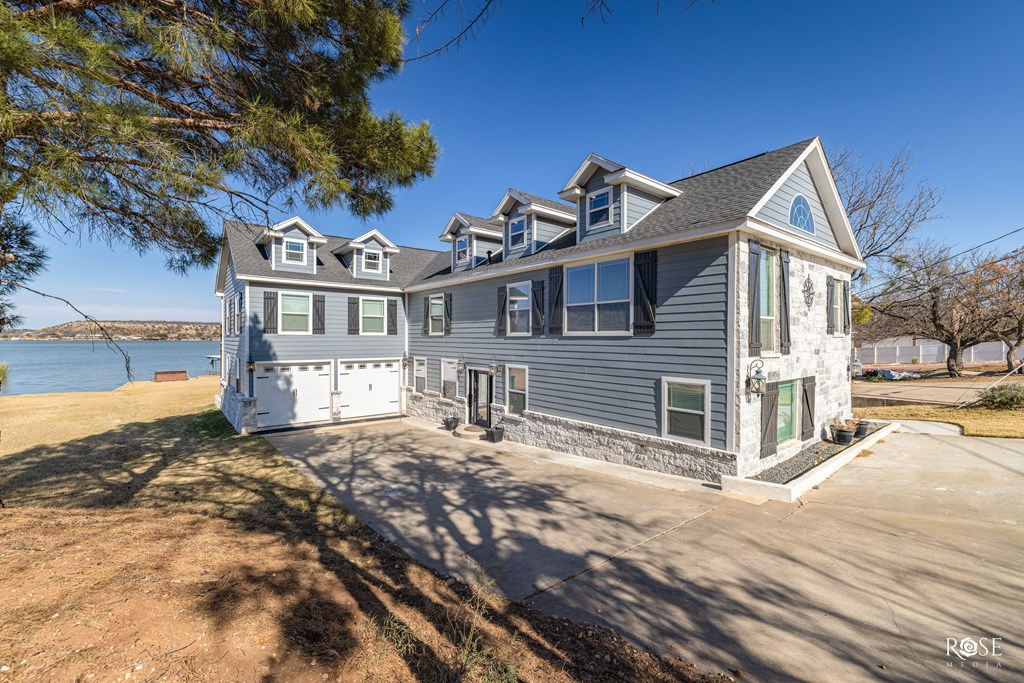 2850 Red Bluff Circle Property Photo 2