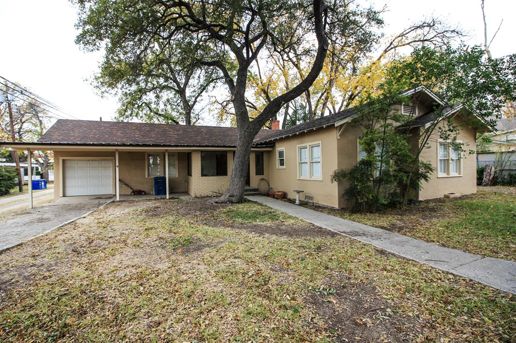 1104 Ave B Property Photo 1