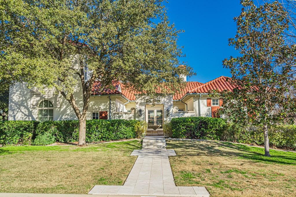 810 Montecito Dr Property Photo 2