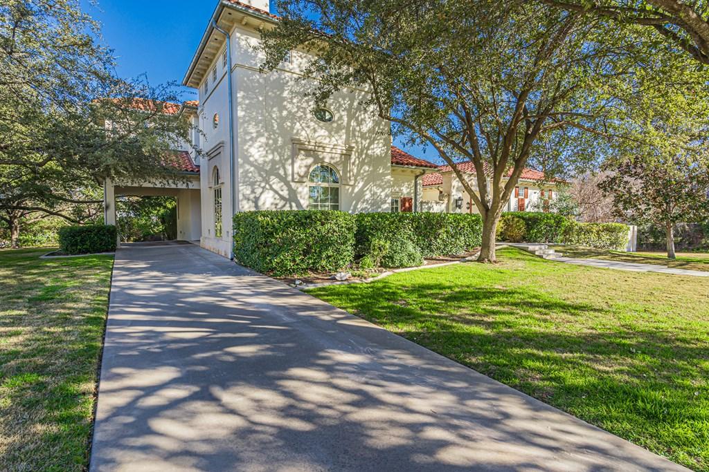 810 Montecito Dr Property Photo 4