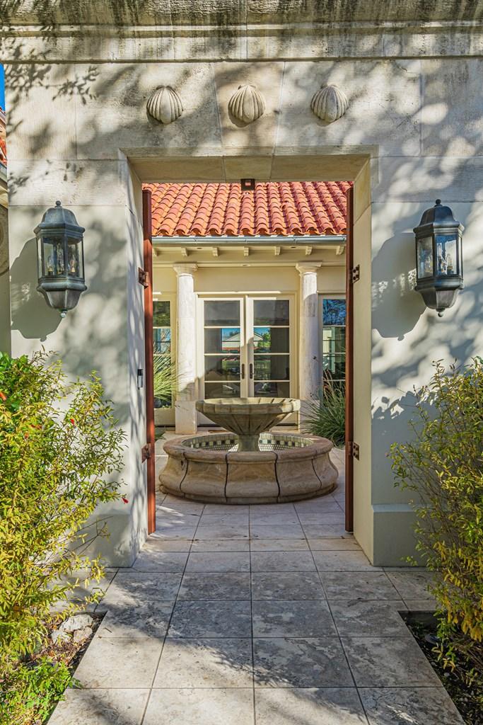 810 Montecito Dr Property Photo 5