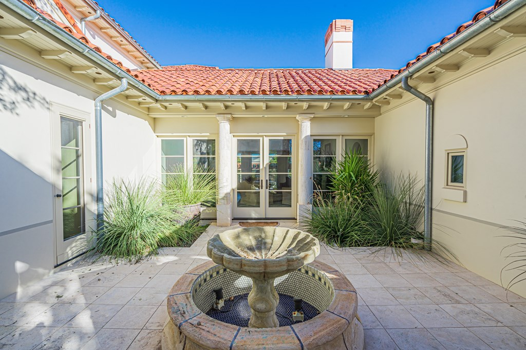 810 Montecito Dr Property Photo 6