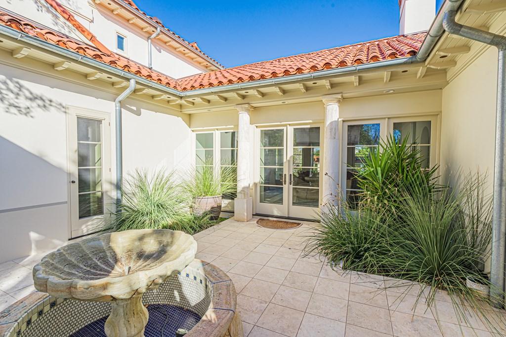 810 Montecito Dr Property Photo 7